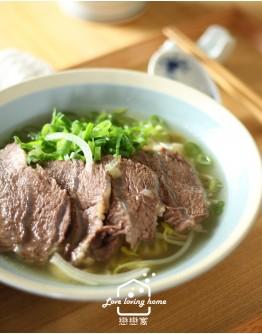7/25(六)台菜料理2:紅燒原味三寶牛肉麵+精燉牛肉麵/牛油辣醬/高麗菜泡菜