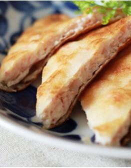 泰式料理1:涼拌青木瓜絲/月亮蝦餅/馬沙曼咖哩/泰式奶茶