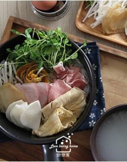 雲南料理1:碗豆涼粉+過橋米線+琥珀肉凍+椰汁柑橙風味紫米
