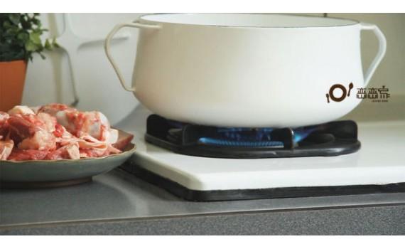 影響湯頭的關鍵:去腥味的熬湯燉肉之前的肉骨清潔
