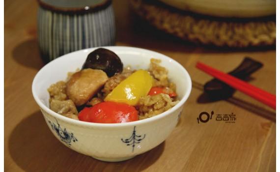 不油膩的偽糯米飯︰一鍋到底的香燜雞煲飯(影音食譜)