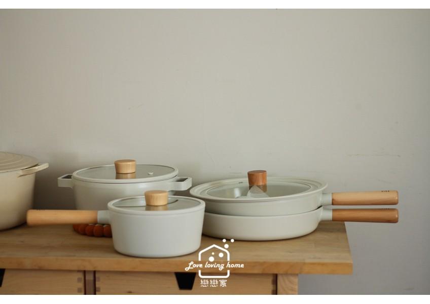 Neoflam網美級韓國簡約白色FIKA不沾鍋具,木柄湯鍋/平底鍋/湯鍋/炒鍋